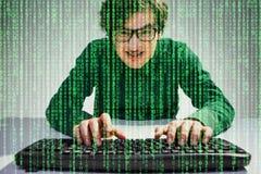 Type ringard avec le flux de données vert Photos libres de droits