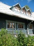 Type russe. Maison en bois Photos libres de droits