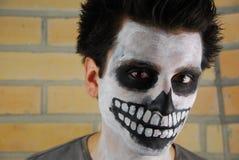 Type squelettique rampant (peinture de visage de carnaval) photos libres de droits