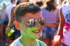 Type vert peint de peinture en verres foncés Photo libre de droits