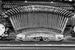 Typebars antichi della macchina da scrivere immagini stock libere da diritti