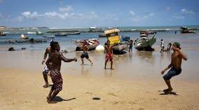 Types brésiliens dans le Pipa du DA de Praia Photographie stock