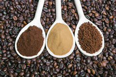 Types of coffee. Grounds, instant, powder, coffee beans Royalty Free Stock Photos