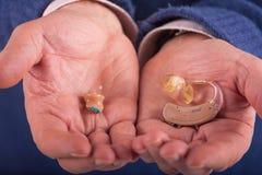 Types de prothèse auditive Images libres de droits