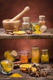 Types des épices, des couleurs et de saveurs Durée toujours 1 images stock