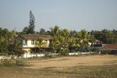Types van plattelandshuisjes die aan toeristen in India worden gehuurd stock afbeelding