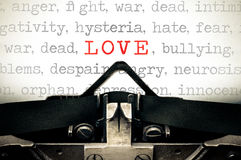 Typewritter with the word Love Royalty Free Stock Images