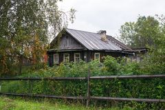 A typical wooden rural house in Northern Karelia. Royalty Free Stock Photos