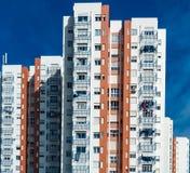 Typicall colorfull huis in de voorstad van Lissabon stock afbeeldingen