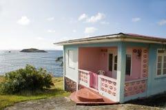 Typisch Caraïbisch stijlhuis bequia royalty-vrije stock foto