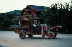 Typisch dorpsvervoer van Zuidoost-Azië stock fotografie