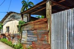 Typisch eenvoudig huis, Livingston, Guatemala Stock Foto's