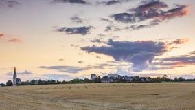 Typisch Frans landschap met bij zonsondergang stock afbeelding