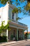 Typisch huis in Cienfuegos, Cuba Royalty-vrije Stock Afbeelding