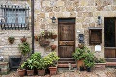 Typisch huis van Sovana, middeleeuws dorp van Toscanië Stock Foto