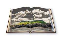 Typisch Iers landschap met de Ben Bulben-geroepen berg Royalty-vrije Stock Foto's
