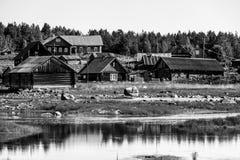 Typisch lokaal klein Russisch dorp, Republiek Karelië royalty-vrije stock foto's
