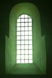 Typisch Romaans venster stock foto's
