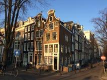 Typische Amsterdam-Häuser Lizenzfreie Stockfotos
