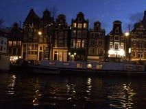 Typische Amsterdam-Häuser Lizenzfreies Stockfoto