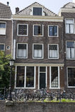 Typische Amsterdam-Kanalansichten lizenzfreie stockfotos