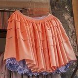 Typische Bolivianerröcke und lokale Kleider, Copacabana - Bolivien lizenzfreie stockfotografie