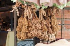 Typische Bolivianerröcke und lokale Kleider, Copacabana - Bolivien stockfoto