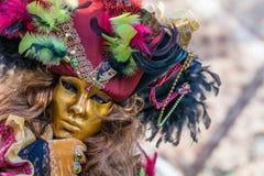 Typische bunte Maske vom Venedig-Karneval stockfotos