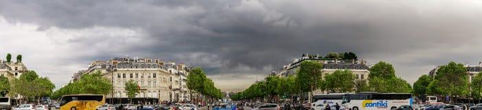 Typische de straatmening van Parijs, de zomerdag Royalty-vrije Stock Afbeelding