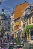 Typische elsässische Straße lizenzfreies stockfoto