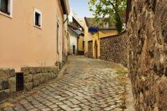 Typische europäische Gasse in Szentendre Ungarn Lizenzfreie Stockbilder