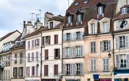 Typische Franse gebouwen in Meaux, het gebied van Parijs stock foto