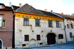 Typische gebouwen in Sopron (Ã -ã-denburg), Hongarije Stock Fotografie