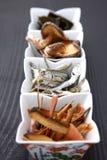 Typische getrocknete Nahrungsmittel für japanischen Suppenvorrat Stockfoto