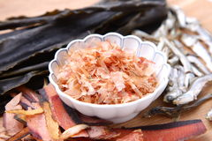 Typische getrocknete Nahrungsmittel für japanischen Suppenvorrat Lizenzfreies Stockbild