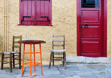 Typische griechische Fassade Stockfotos