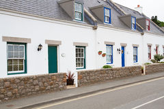 Typische Häuser auf Jersey, Großbritannien Lizenzfreie Stockfotos