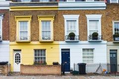 Typische Häuser Englisch in Camden-Stadt, London, England lizenzfreies stockbild