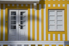 Typische Häuser von Costa Nova, Aveiro, Portugal stockfotografie