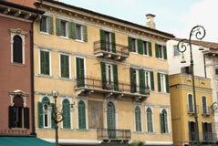 Typische Häuser von Verona Lizenzfreies Stockfoto