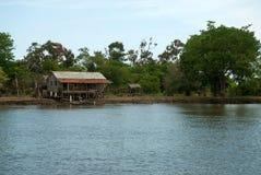 Typische huizen - rivieroever Stock Foto's