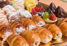 Typische Italiaanse gebakjes royalty-vrije stock foto's