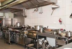 Typische keuken van een restaurant Royalty-vrije Stock Afbeeldingen