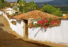 Typische Kolonialstraße in Barichara, Kolumbien Stockfotografie