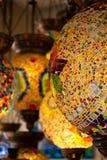 Typische lampen van Turkije Kleurrijke antieke lampen Lampen van Ramadan stock afbeelding