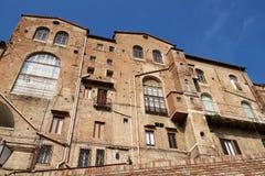 Typische Maurerarbeitgebäude in Siena Lizenzfreies Stockbild