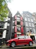 Typische Nederlandse huizen in het centrum van Amsterdam, Holland, Nederland royalty-vrije stock fotografie