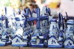 Typische Nederlandse windmolen royalty-vrije stock afbeelding
