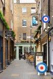 Typische Newburgh-straat met baksteenhuizen en bar Royalty-vrije Stock Foto's