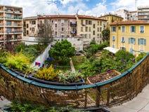 Typische Nizza alte Stadtansicht, Sommertag Stockfotos